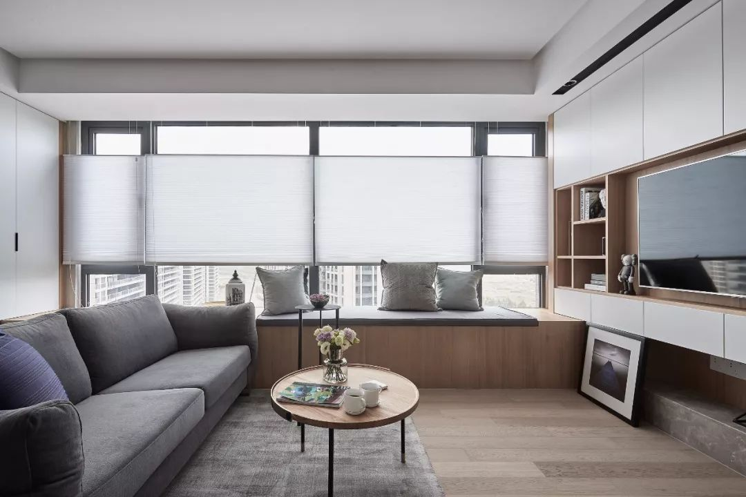 客厅有个飘窗,实用又漂亮!